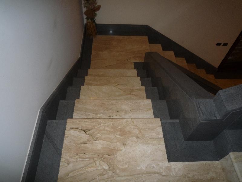 Rivestimenti in marmo di scale esterne o interne artigianmarmi - Scale interne marmo ...